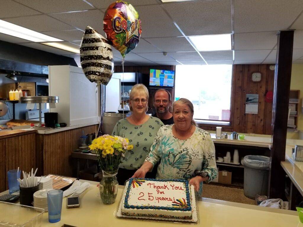 Cozy Corner owners celebrate 25 year anniversary in Springville | Springville Journal